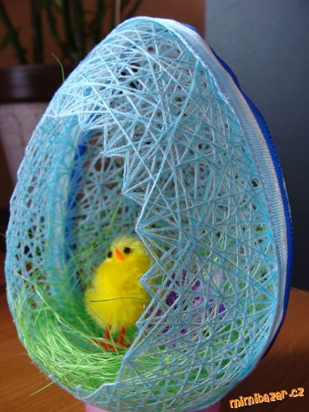 DIY Easter Egg Basket from Thread 10