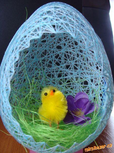 DIY Easter Egg Basket from Thread 11