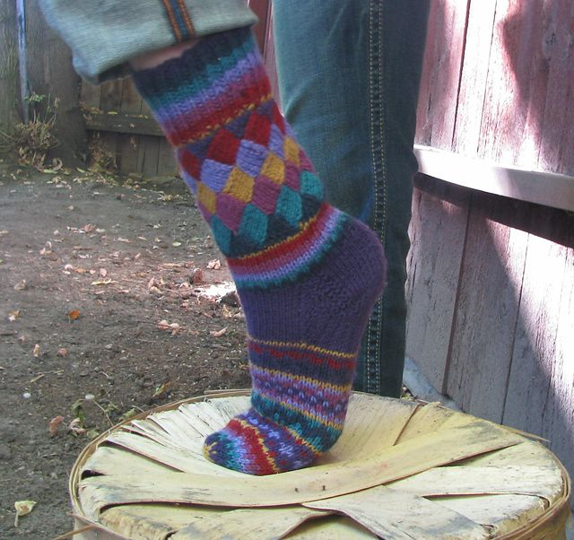 Patterns For Knitted Socks : DIY Rainbow Color Patch Entrelac Knitting Socks with Patterns