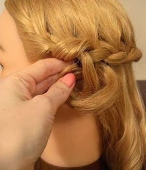 DIY-Elegant-Braided-Low-Bun-Hairstyle-6.jpg