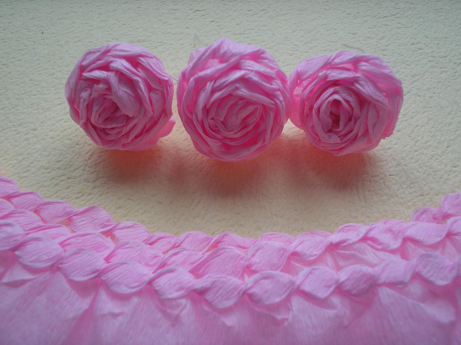 Розы из креповой бумаги своими руками