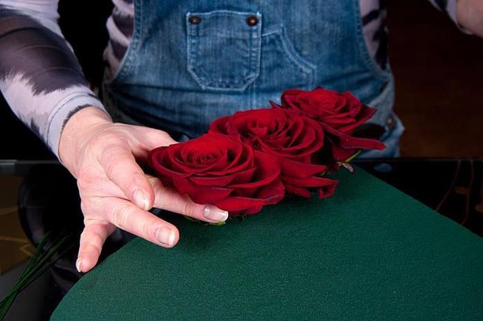 Цветок девушке своими руками