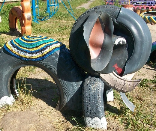 40+ Creative DIY Ideas to Repurpose Old Tire into Animal Shaped Garden Decor --> Tire Elephant