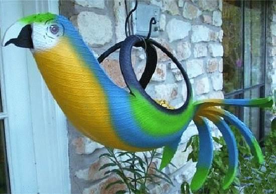 40+ Creative DIY Ideas to Repurpose Old Tire into Animal Shaped Garden Decor --> Tire Parrot