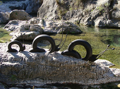 40+ Creative DIY Ideas to Repurpose Old Tire into Animal Shaped Garden Decor --> Tire Snails