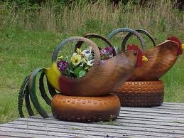 40+ Creative DIY Ideas to Repurpose Old Tire into Animal Shaped Garden Decor --> Tire Chickens