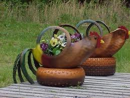 40+ Creative DIY Ideas to Repurpose Old Tire into Animal Shaped Garden Decor --> Tire Chickens