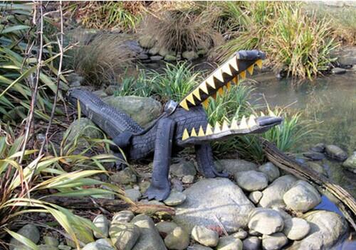 40+ Creative DIY Ideas to Repurpose Old Tire into Animal Shaped Garden Decor --> Tire Alligator