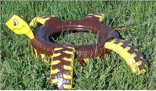 Repurpose-Old-Tire-into-Animal-Themed-Garden-Decor-33.jpg