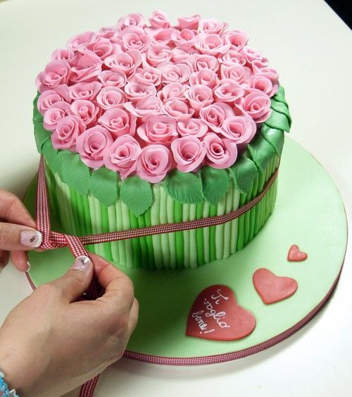 Decorating Ideas > How To DIY Bouquet Of Roses Cake Decoration ~ 224142_Cake Decorating Ideas Roses
