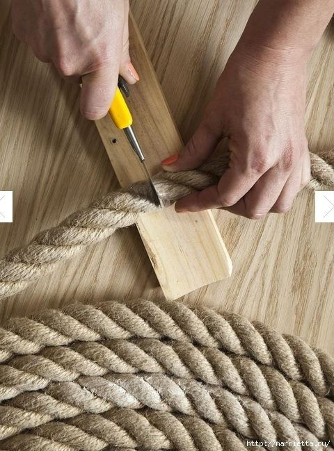 How-to-DIY-Simple-Rope-Rug-3.jpg