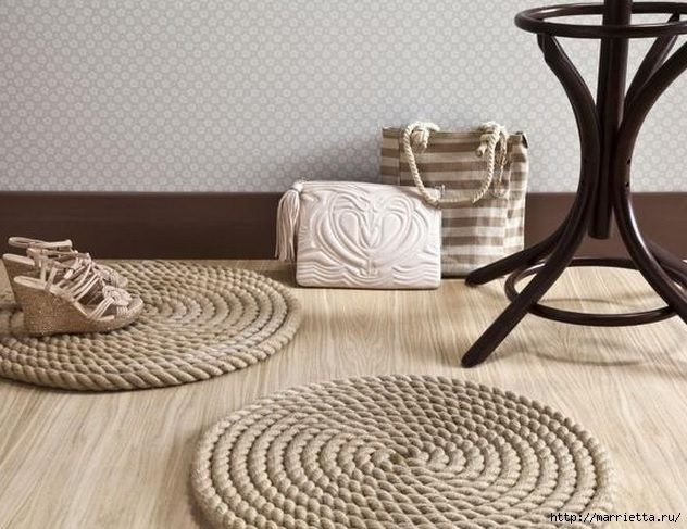 How-to-DIY-Simple-Rope-Rug-7.jpg