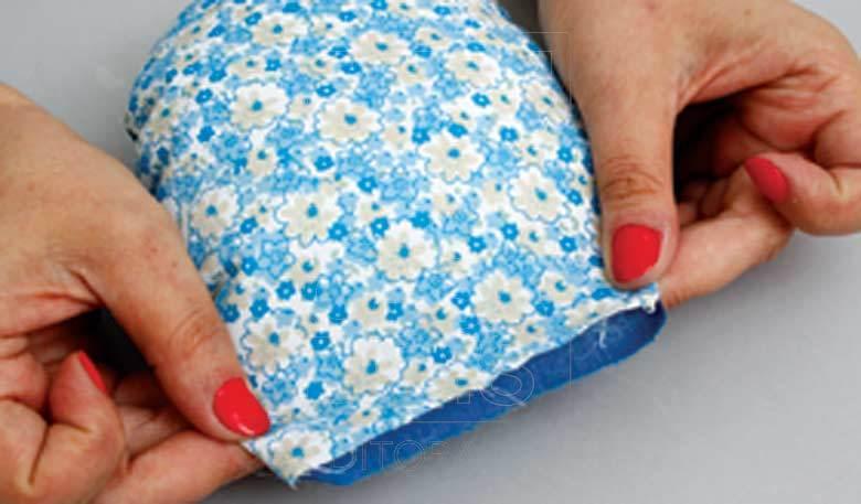 DIY Beautiful Flower Cushion Step 5