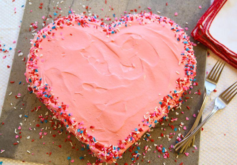 Creative Ideas – DIY Heart-Shaped Cake without a Heart-Shaped Pan