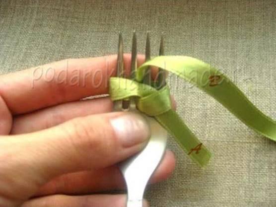 Creative Ideas - DIY Satin Ribbon Bow with a Fork 4