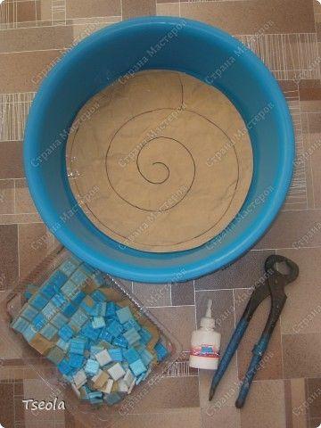 DIY Mosaic Tile Garden Stepping Stones 1