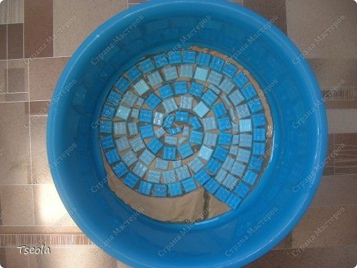 DIY Mosaic Tile Garden Stepping Stones 4