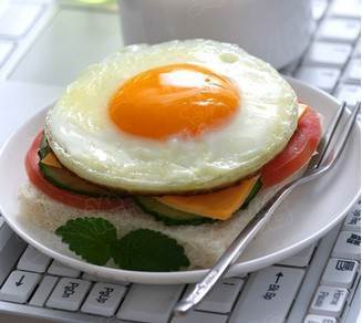how to cook a fried egg without oil