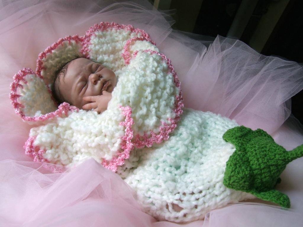35+ Adorable Crochet and Knitted Baby Cocoon Patterns