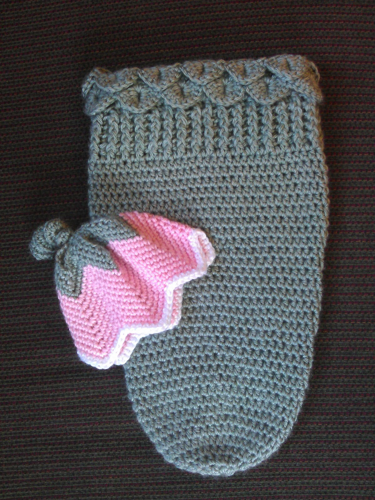 Free Knitted Baby Cocoon Pattern : 35+ Adorable Crochet and Knitted Baby Cocoon Patterns iCreativeIdeas.com - ...
