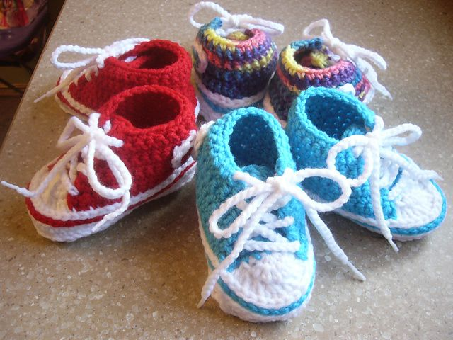 Comfortable crochet baby converse booties for the converse fans free