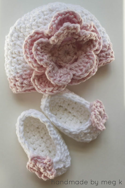 40+ Adorable and FREE Crochet Baby Booties Patterns --> Crocheted Newborn Slippers