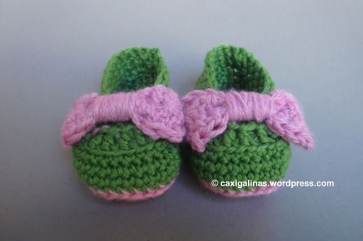 40+ Adorable and FREE Crochet Baby Booties Patterns --> Crochet Bow Booties