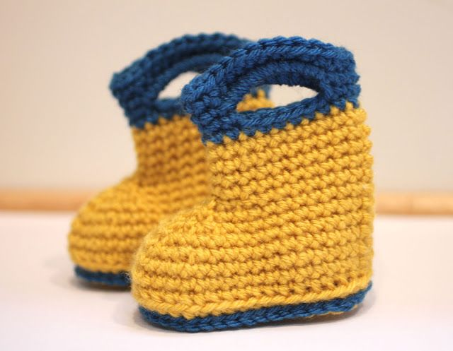40+ Adorable and FREE Crochet Baby Booties Patterns --> Crochet Rain Boots