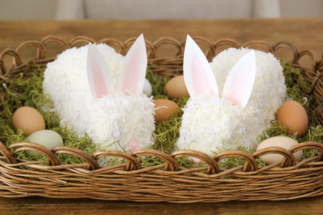 20+ Creative DIY Easter Bunny Cake Recipes --> DIY Coconut Bunny Cake