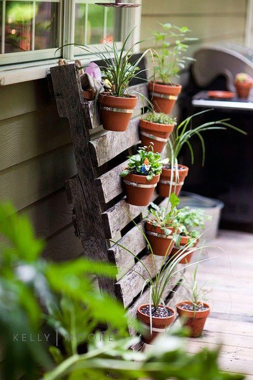 20+ Creative DIY Vertical Gardens For Your Home --> DIY Pallet Planter