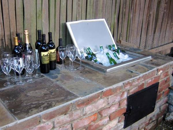 30 creative diy wine bars for your home and garden for How to build a wine bar