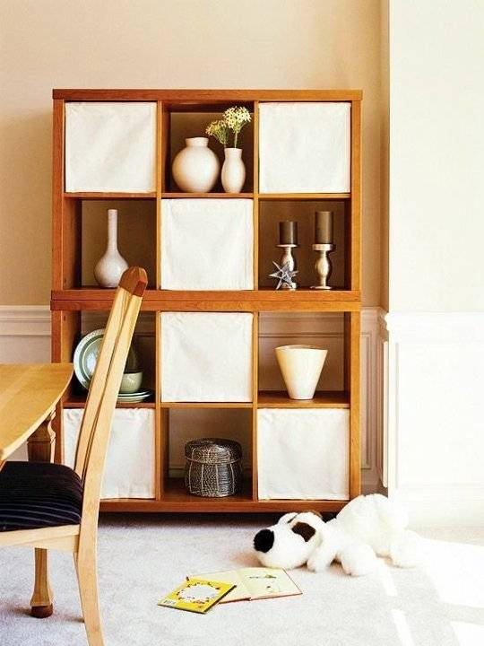 20+ Creative Uses of Tension Rods to Organize Your Home --> Use Tension Rod to Make Bookcase Shades