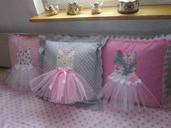Cute Ideas For Pillowcase Dresses : Creative DIY Pillow Ideas