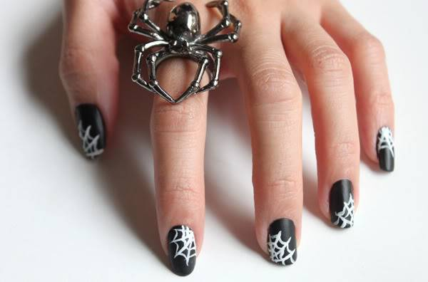 40+ Spooky and Creative DIY Halloween Nail Art Ideas --> Spiderweb Nails
