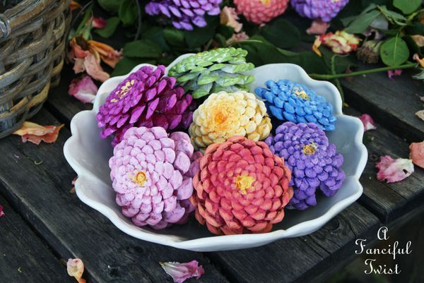 40+ Creative Pinecone Crafts for Your Holiday Decorations --> Pinecone Flowers