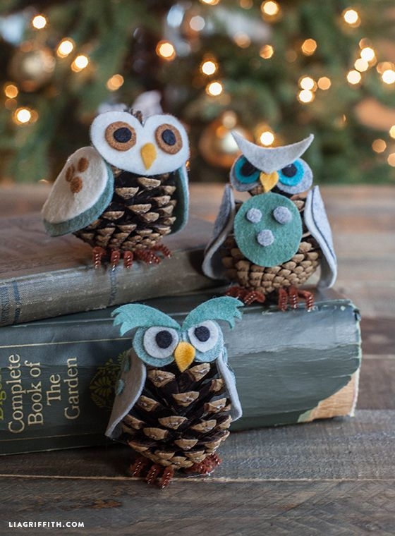 40+ Creative Pinecone Crafts for Your Holiday Decorations --> Felt and Pinecone Owl Ornaments