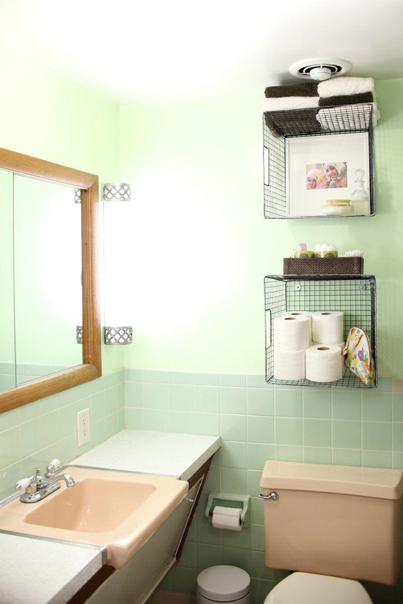 40+ Brilliant DIY Storage and Organization Hacks for Small Bathrooms --> DIY hanging basket bathroom storage