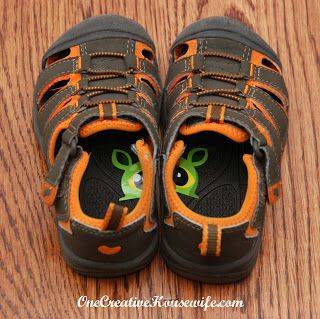 30+ Brilliant Mom Hacks That Will Make Your Life Easier --> Put a sticker that is cut in half in your toddler's shoes to help them wear their shoes on the correct feet.