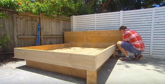 Creative Ideas - DIY Amazing Grass Day Bed