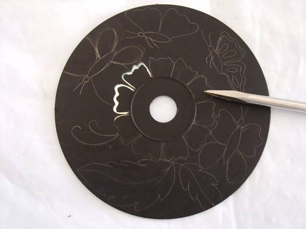 Creative Ideas - DIY Wall Art From Old CDs 3