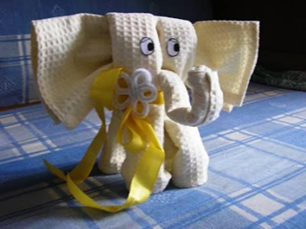 Creative Ideas - DIY Towel Elephant