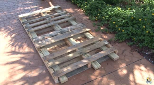 Creative Ideas - DIY Pallet Swing Bed