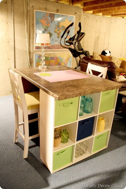 25+ Creative DIY Projects to Make a Craft Table --> Quick and Easy DIY Craft Table