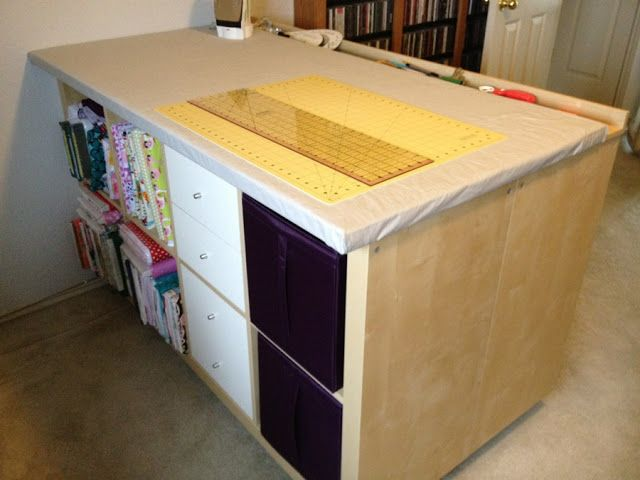 25+ Creative DIY Projects to Make a Craft Table --> Expedit Sewing/Crafting/Cutting Table