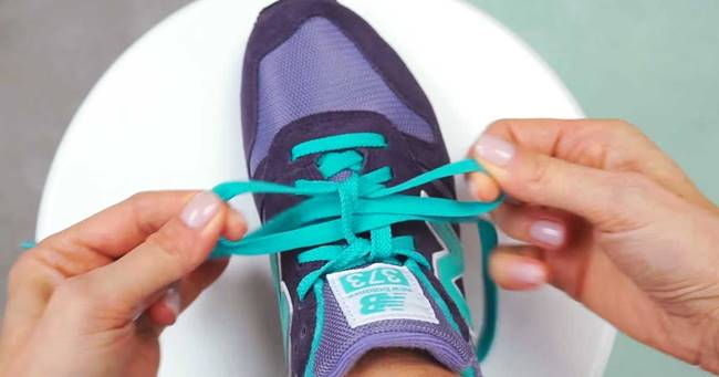 Creative Ideas - How To Tie A Shoelace In Just 2 Seconds