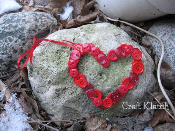 Valentine's Day Button Heart Craft