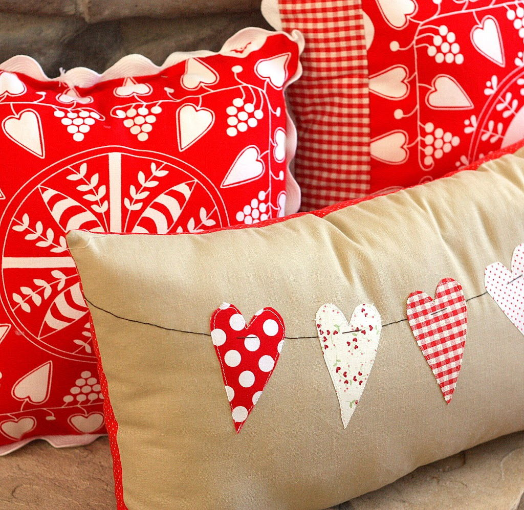 DIY Valentine Throw Pillow