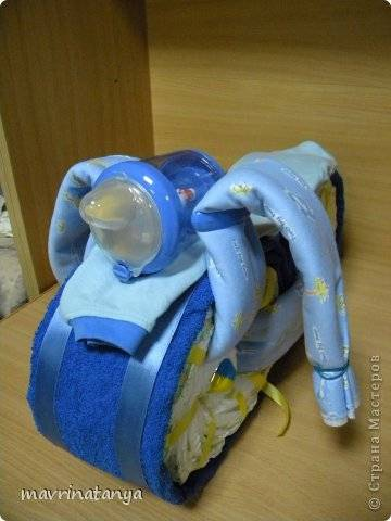 DIY Hippo on the Bike Diaper Gift Step 16
