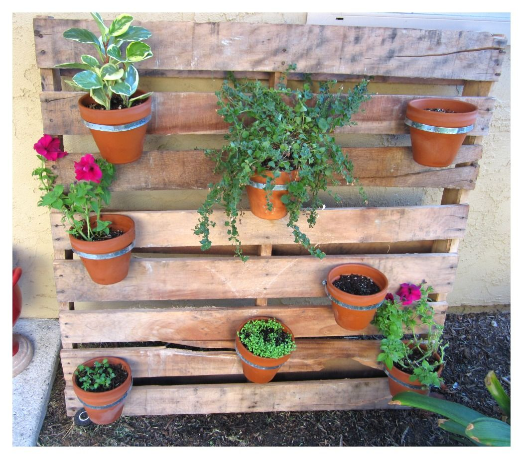 25 Amazing DIY Projects to Repurpose Pallets into Garden Planters --> Pallet Flower Pot Planter