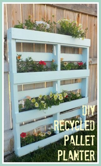 25 Amazing DIY Projects to Repurpose Pallets into Garden Planters --> DIY Recycled Pallet Planters